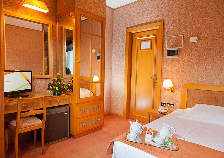 CAMERA INTERNA POLO HOTEL ROMA